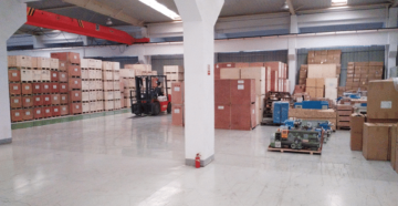 Weiss Machines stock zone d'expédition